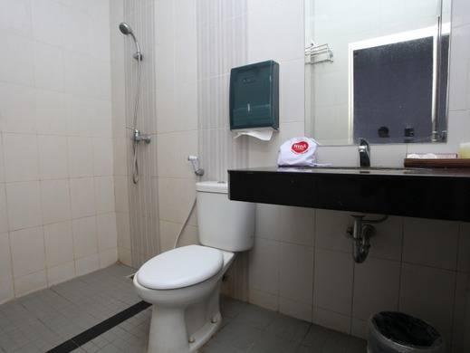NIDA Rooms Lampung Gatot Subroto Lampung - Kamar mandi