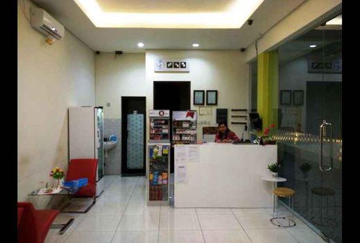 Hotel 99 B Sumbawa Sumbawa - reception