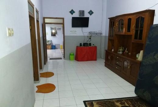Budhi's Homestay Probolinggo - Interior