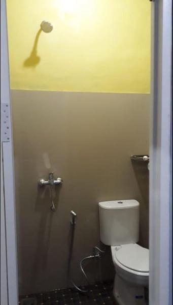 Srikandi Baru Inn Yogyakarta - Bathroom