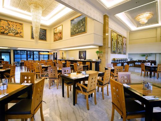 D'Senopati Malioboro Grand Hotel Yogyakarta - Breakfast Area