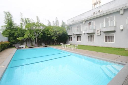 Airy Candisari Sisingamangaraja 4 Semarang - pool