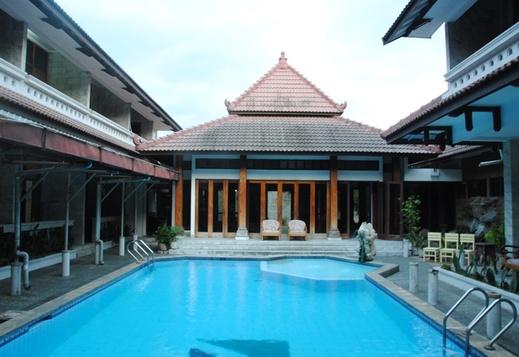 Puri Anggraini Syariah Yogyakarta - Pool