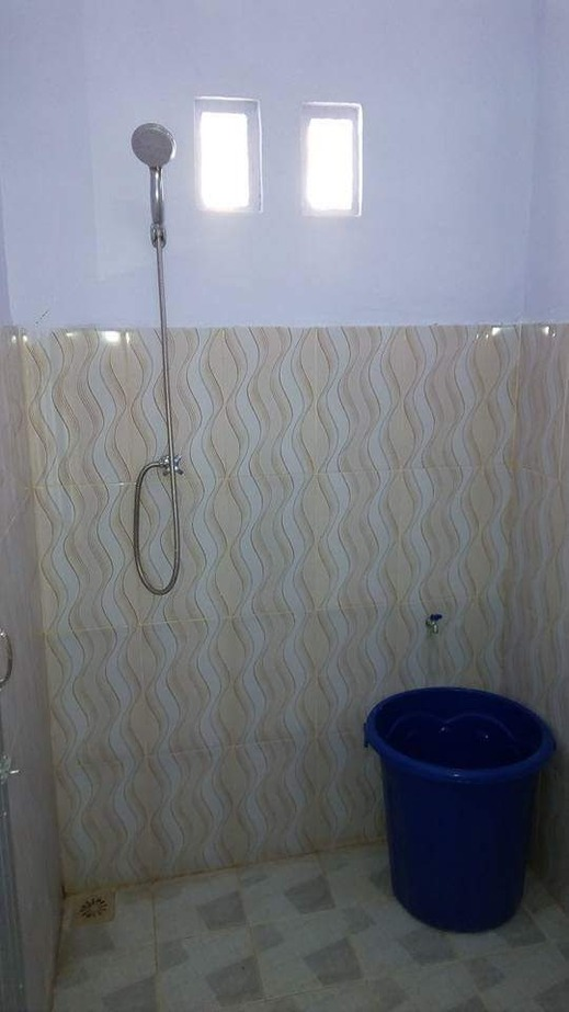 Guesthouse Villa Cemara 7 Banyuwangi - Bathroom