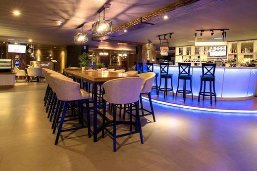 Infinity8 Bali - lounge