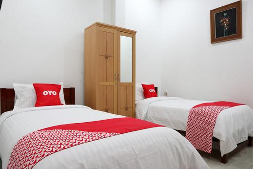 OYO 2052 Mutiara Residence Padang - Bedroom