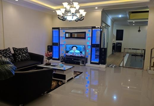 Villa Pyramid 7 Bedroom by VHB Group Malang - Interior