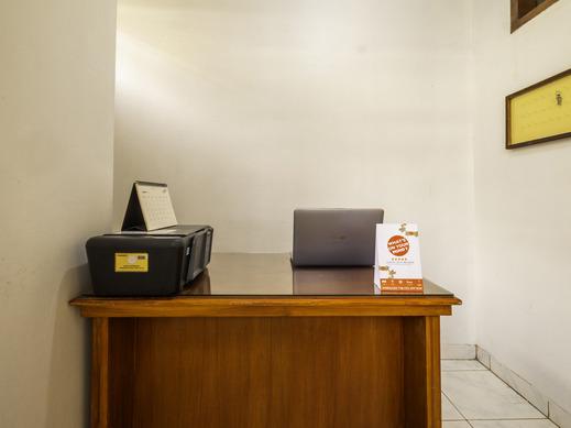 OYO 2265 Bunga Bakung Residence Bandung - Reception