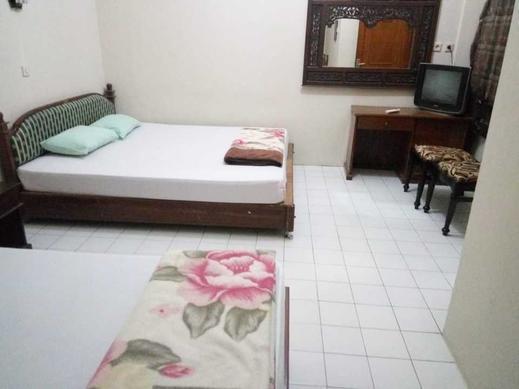 Hotel Puspo Nugroho Malioboro Yogyakarta Yogyakarta - Family AC Room