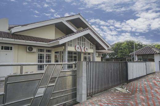 OYO 1026 Cendrawasih Homestay Palembang - Facade