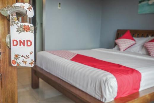OYO 504 Loco Homestay Bali - Bedroom