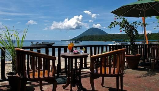 Bastianos Resort Manado - Balcony