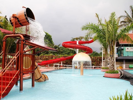 Royal Safari Garden Resort and Convention Bogor - Outdoor Pool