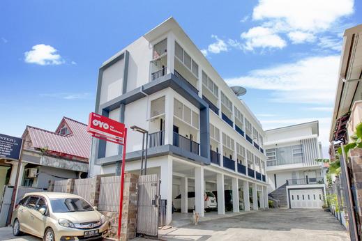 OYO 3279 Joy Residence Samarinda - Facade