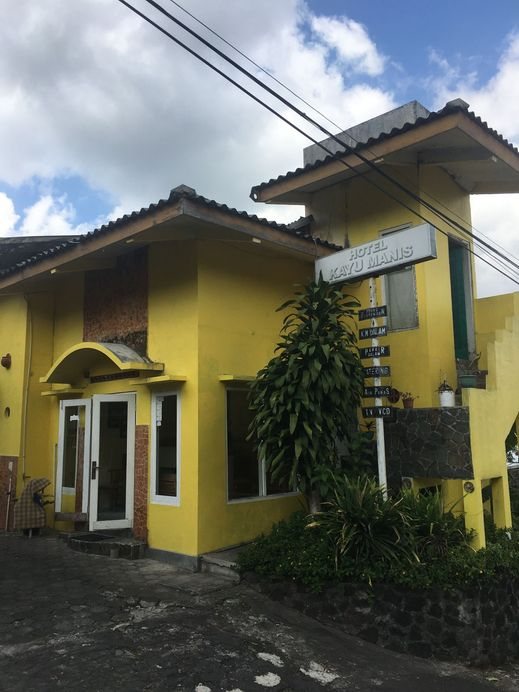 Hotel Kayu Manis Yogyakarta - Exterior