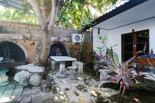 Airy Seminyak Gang Bunga Kecil 7 Bali Bali - Exterior