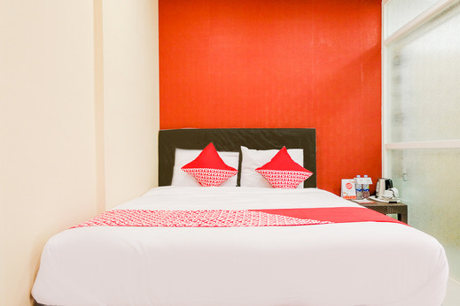 OYO 2060 Adam's Apple Family Guest House Malang - BEDROOM DL D