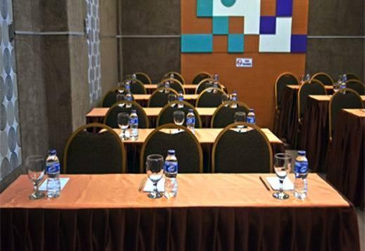 Rizh Hotel Syariah Bandung - Ruang Rapat
