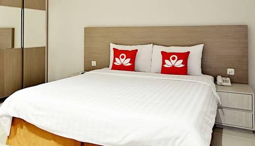 ZenRooms Hayam Wuruk Harmoni - Tempat Tidur Double