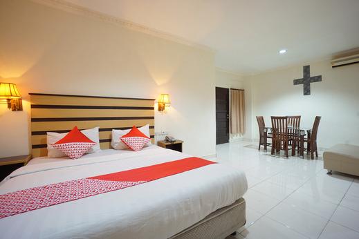 OYO 800 Hotel Yuta Manado - Bedroom