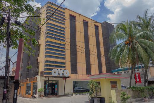 OYO 180 Hotel Mirah Near RSUD Sawah Besar Jakarta - Facade