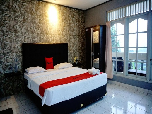 Residences by RedDoorz near Taman Safari Puncak - Photo