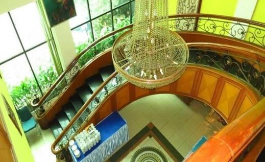 Hotel Grand Setia Kawan Solo -  stairs