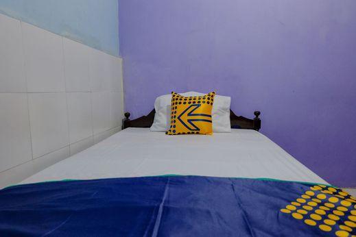 SPOT ON 1716 Lada Family Residence Syariah Malang - Bedroom