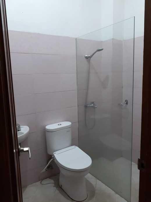 Hasanah Sawojajar Guest House Malang - Bathroom Standart Standart
