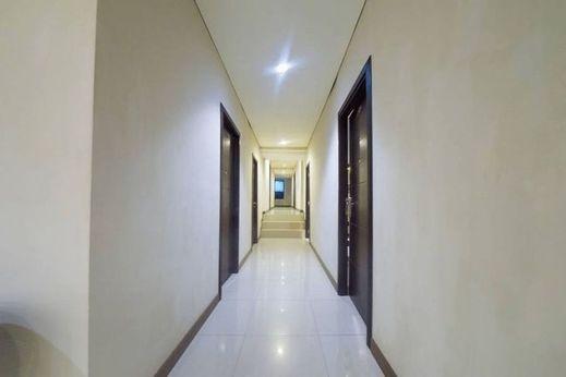 Budget Hotel Ambon - Corridor