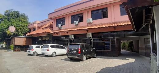 Capital O 2242 Zleepy Hotel Rahayu Cirebon - Facade