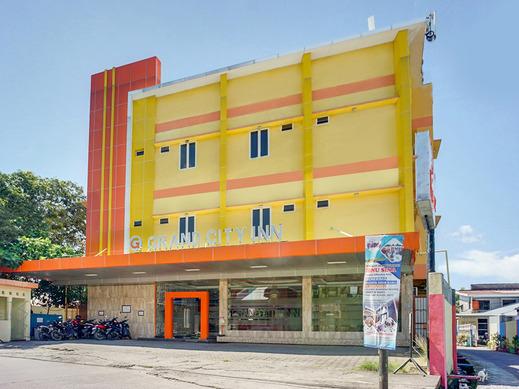 OYO 3157 Grand City Inn Makassar - Facade