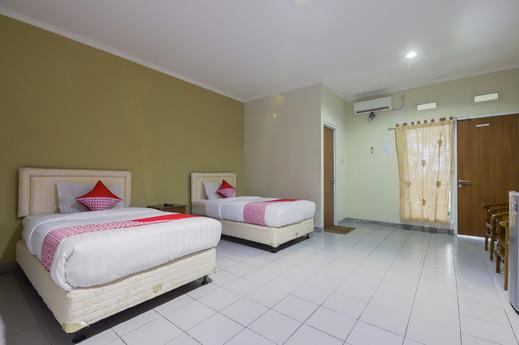 OYO 883 Pavo Resort Bogor - Bedroom