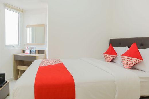 OYO 1242 Aeropolis Apartment Tangerang - Bedroom