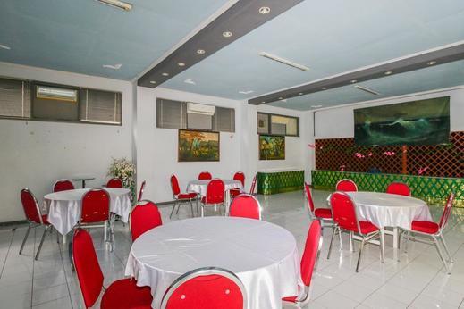 Airy Syariah Panglima Sudirman 16 Probolinggo - Restaurant