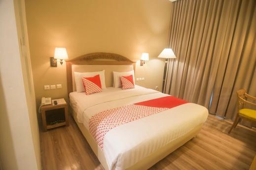 OYO 241 Ndalem Nuriyat Yogyakarta - Bedroom