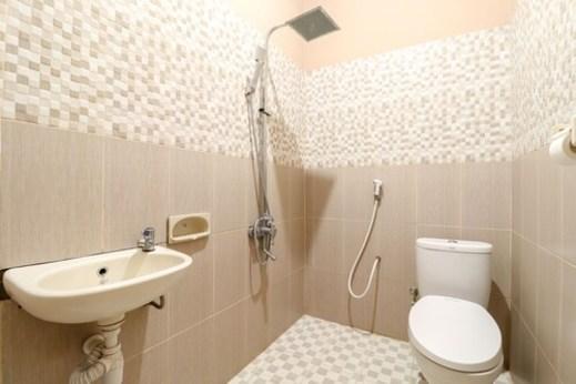 Nurudin House Magelang - Bathroom