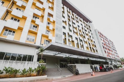 RedDoorz Apartment near Summarecon Mall Serpong Tangerang - Exterior