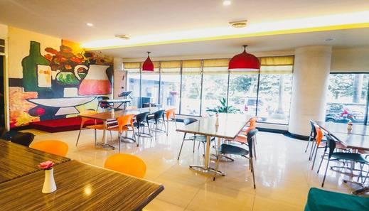 RedDoorz Plus near Mall Ratu Indah 2 Makassar - Facilities