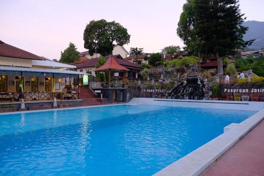 Inna Tretes Hotel Pasuruan - Taman Sari Swimming Pool