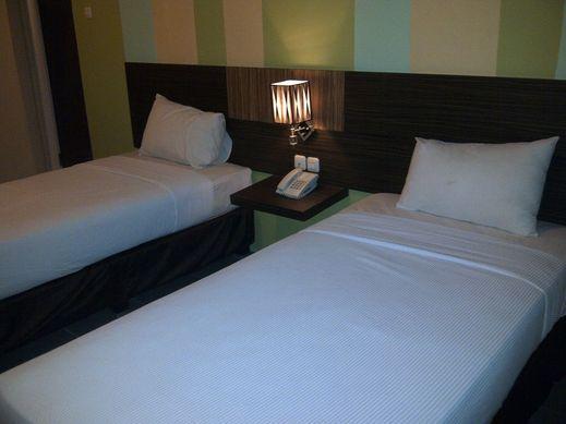 Pose In Hotel Yogyakarta Jogja - Standard Room