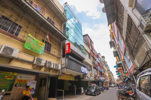 OYO Flagship 3563 New Mg Hotel Near RSUD Sawah Besar Jakarta - Facade