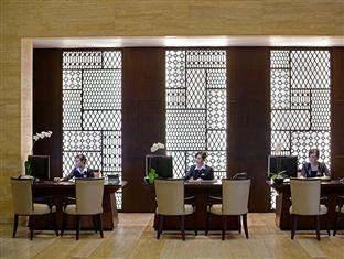Hotel Santika Mataram Lombok Lombok - Receptionist
