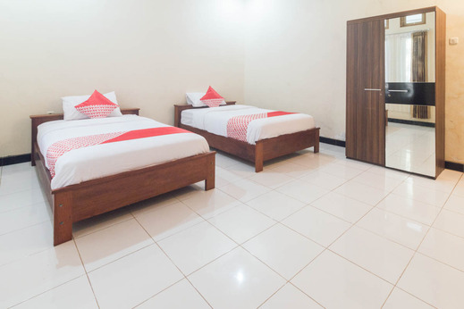 OYO 1688 Collin Beach Hotel Ambon - BEDROOM DT-3