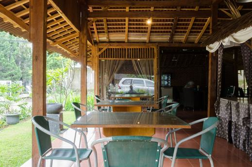 Lotus Hotel Bandung - Restaurant