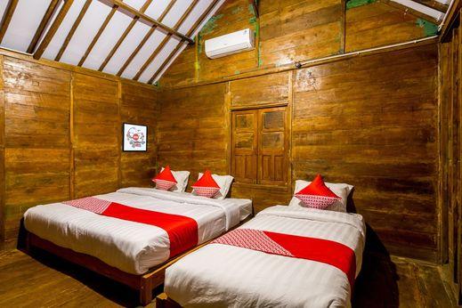 OYO 1304 Roemah Gladak Kebon Sidoluhur Yogyakarta - Bedroom