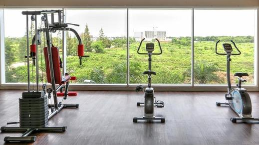 Antero Hotel Jababeka by Prasanthi Bekasi - Fitness