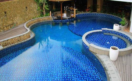 Signature Hotel Bali - Kolam Renang