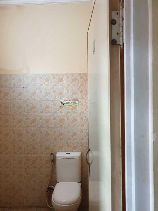 Griya Sekar Wangi Surabaya - Bathroom