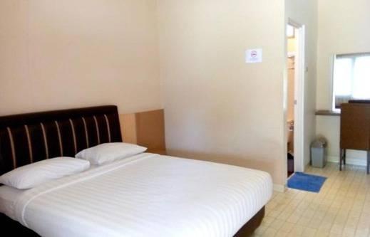 Bos Hotel Sungailiat Bangka - Kamar Deluxe